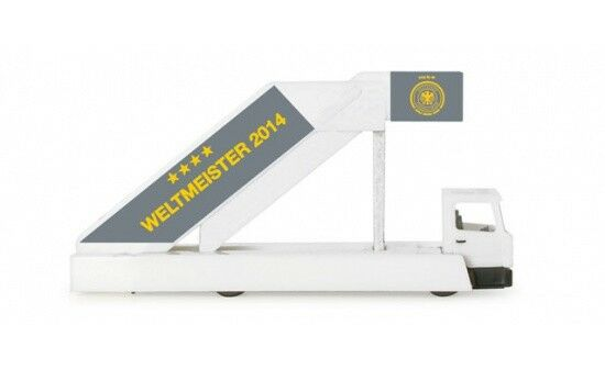 556910 - Herpa pasajero escalera