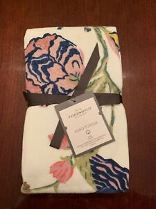 New Spring Jacobean Threshold Set of 2 Kitchen or Bath Hand Towels 100/% COTTON