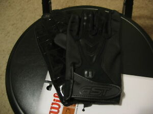 5f606a01d42 NEW-ADULT SMALL WILSON GST SKILL FOOTBALL GLOVES-BLACK 887768472337 ...