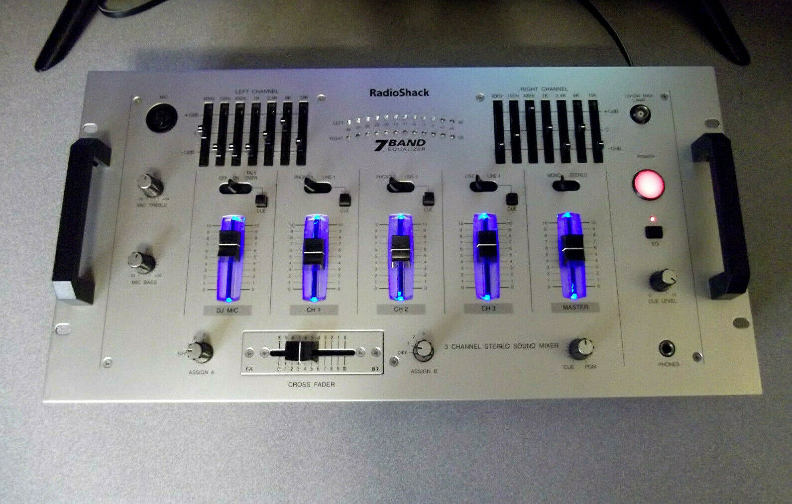 RADIO SHACK ~ 3 CHANNEL STEREO SOUND MIXER ~ Model 32-2057 ~ EQUALIZER DJ 7 BAND. Buy it now for 99.00