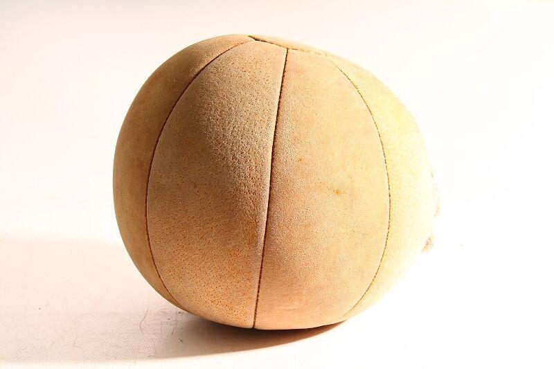 Schöner alter Medizinball Ball leder Wurfball sport old vintage
