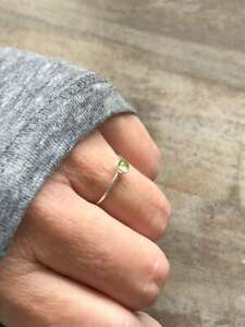 1-Pes-Peridot-Stone-Solid-925-Sterling-Silver-Band-Ring-Meditation-Ring-Size