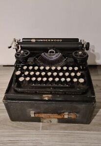 Old typewriter underwood with box vintage 1925