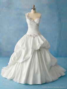 Alfre Angelo Dresses Princess Bride