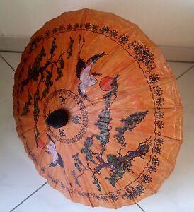 Papierschirm-kunstvoll-bemalt-aus-Thailand-Deko