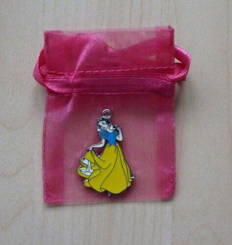 Pendentif princesse avec pochette neuf envoi rapide