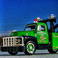 RARE - 1955 KELLY SPRINGFIELD TIRE SERVICE - DIAMOND T WRECKER - First Gear