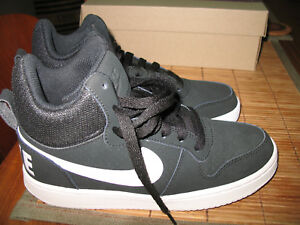 NEW WMNS NIKE Court Borough Mid suede fashion sneakers Size 6 BLACK/WHITE