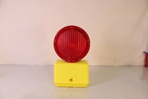 8593-PyraLite-800-Construction-Barricade-Red-Flashing-Amber-Light