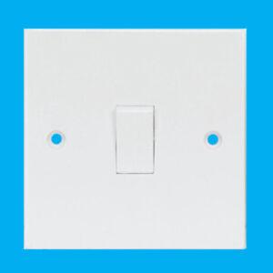 White-1-Gang-3-Way-Intermediate-Mains-Wall-Light-Lamp-Switch-10A-240V