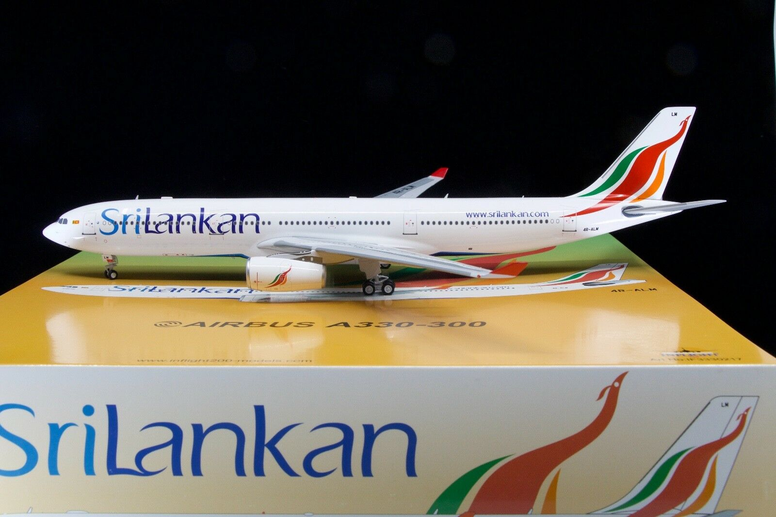 Inflight200 1 200 SriLankan Airlines A330-300 4R-ALM