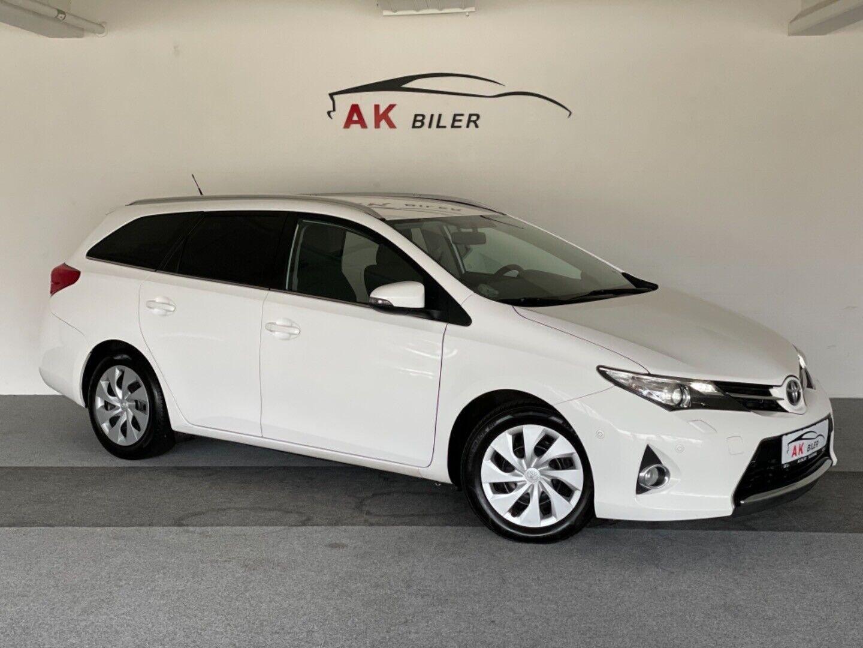 Toyota Auris 2,0 D-4D T2+ Touring Sports 5d