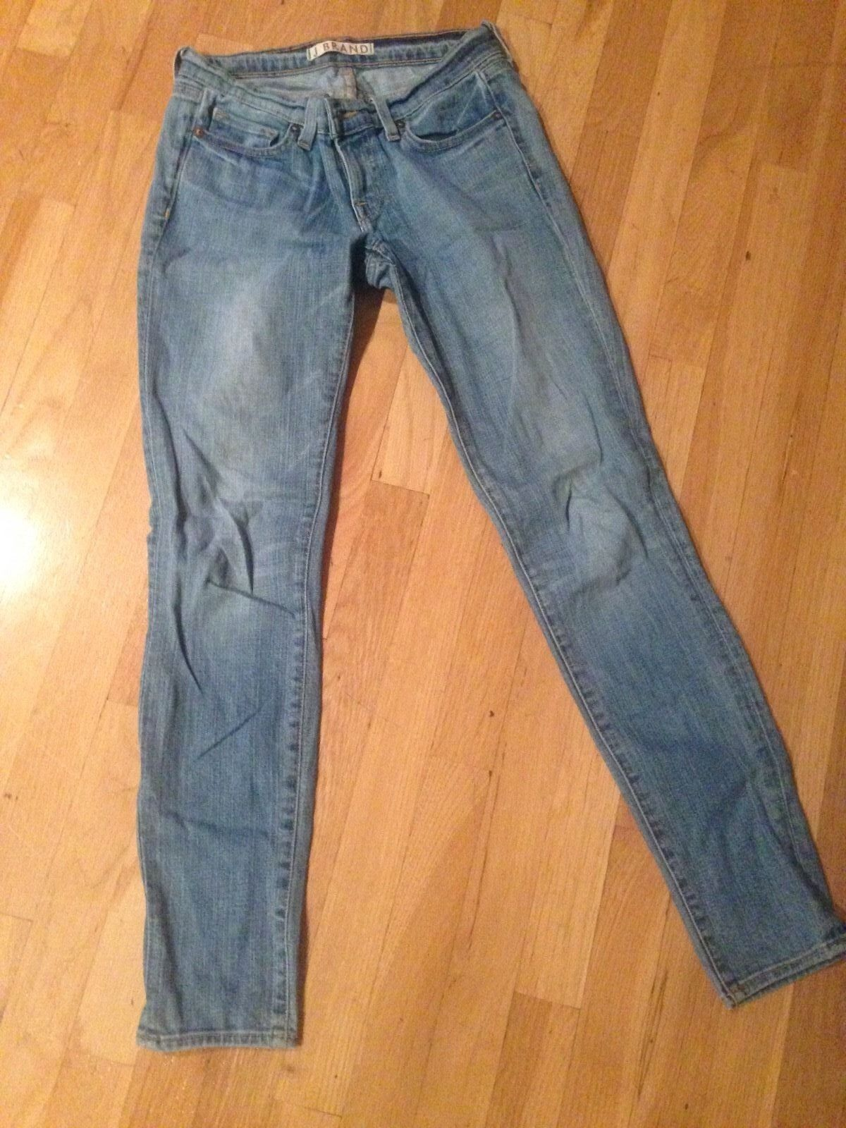 J Brand 910 low-rise skinny leg jeans - light wash, sz 26