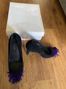 Womans ASOS Black Suede Court Platform Shoes With Purple Feather Front - Size 4