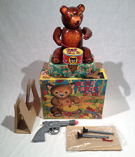 1950's TM JAPAN BEAR TARGET GAME BATTERY OPERATED TOY WITH COLORFUL ORIGINAL BOX