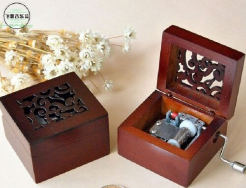 SQUARE CARVING WOOD HAND CRANK MUSIC BOX ITS A SMALL WORLD