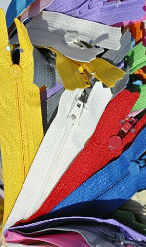 "12 Zippers 14/"" Zipper YKK #3 Skirt /& Dress Zippers ~ Assortment of Colors"