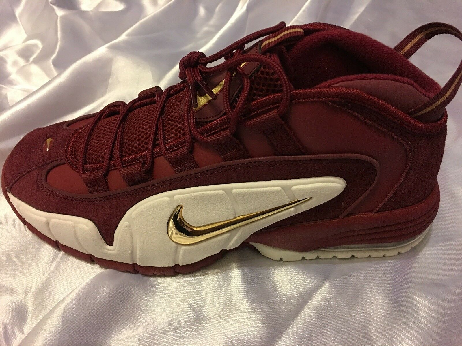 2018 Nike Air Max PENNY Team Red Metallic gold 685153-400 Size 15