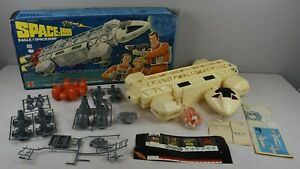 Vintage-1976-Mattel-SPACE-1999-EAGLE-1-SPACE-SHIP-Complete-Never-Used-Boxed