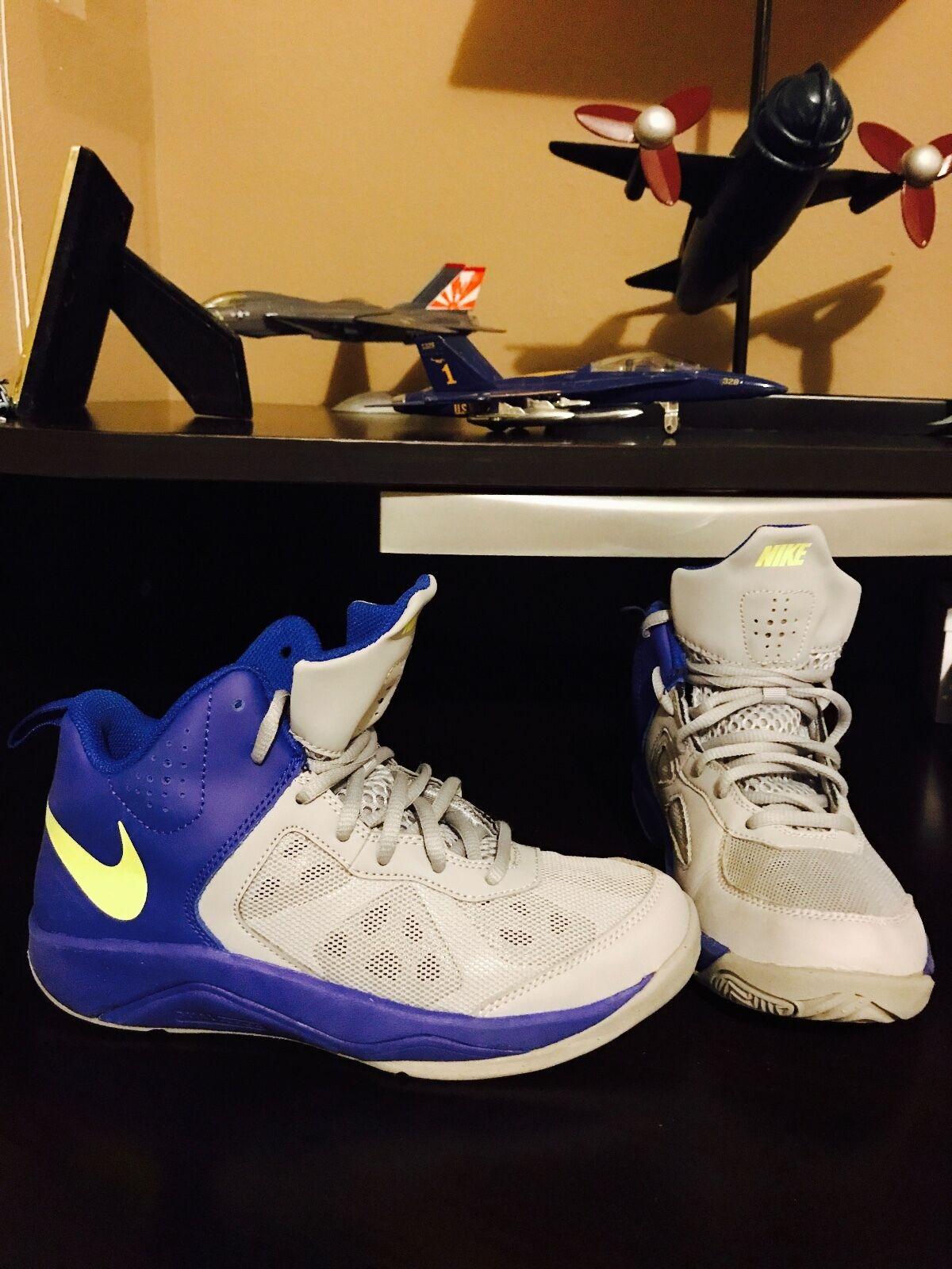 Nike schuhe größe 4,5 y in perfektem zustand