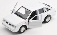BLITZ VERSAND Polonez Caro Plus weiss / white 1:34 Welly Modell Auto NEU & OVP
