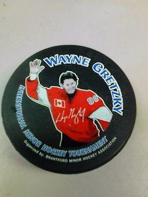 Nhl Wayne Gretzky Hockey Puck International Minor Hockey Tournament Hockey-other Sports Mem, Cards & Fan Shop