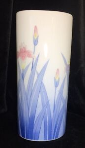 VTG-Lovely-Japanese-Porcelain-Lotus-Flower-Vase-36-Oz-8-5-034-Tall