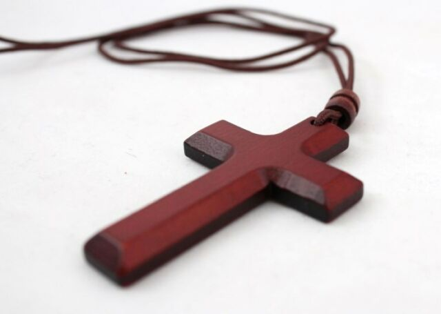 "Christian Wooden Wood Pectoral Cross Pendant With 35"" Rope"