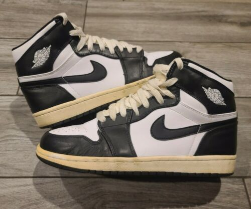 EUC Nike Air Jordan 1 High 2008 Black 332550 011 s