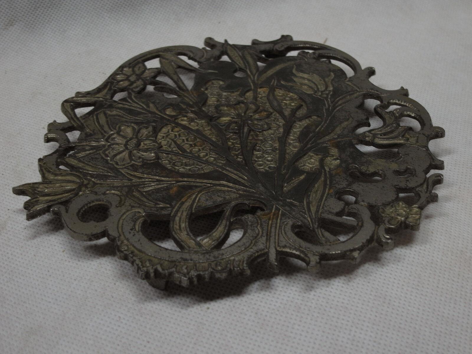 Fer dessous de Verre   Pot dessous de Verre   Um 1900