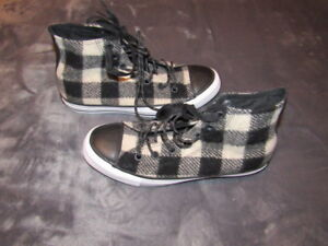 db884449817a Image is loading BRAND-NEW-Converse-WOOLRICH-White-Black-Flannel-153834C-