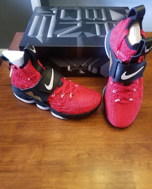 Nike Lebron 15 Red Diamond Turf Size 8.5