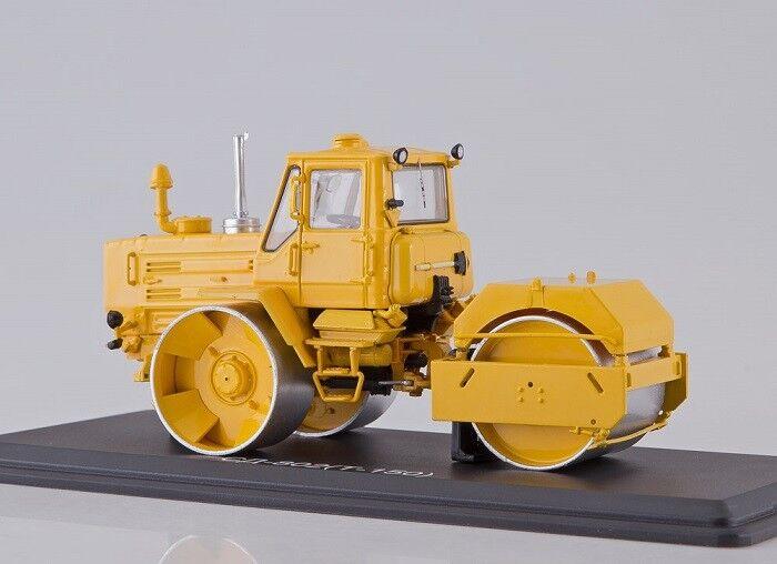 Start Scale Models (SSM) 1 43. SD-802 (T-150K) Russian Asphalt Asphalt Asphalt Roller. 992a38