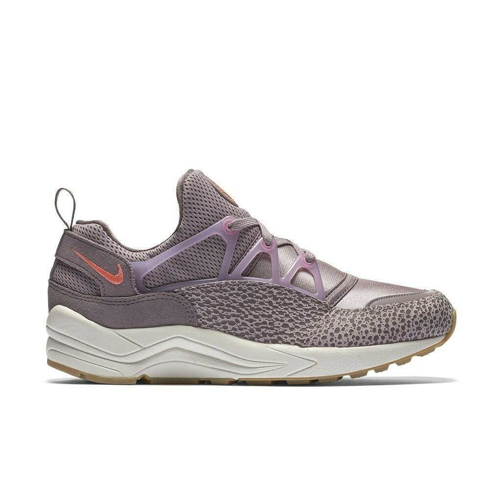 Nike WOMEN'S Air Huarache Light Premium Plum Fog/Bright Mango SIZE 9 SAFARI NEW