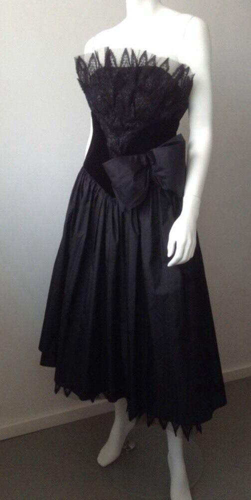 Elegantes Abendkleid  Seidentaft Samt und Spitze schwarz Gr. 36