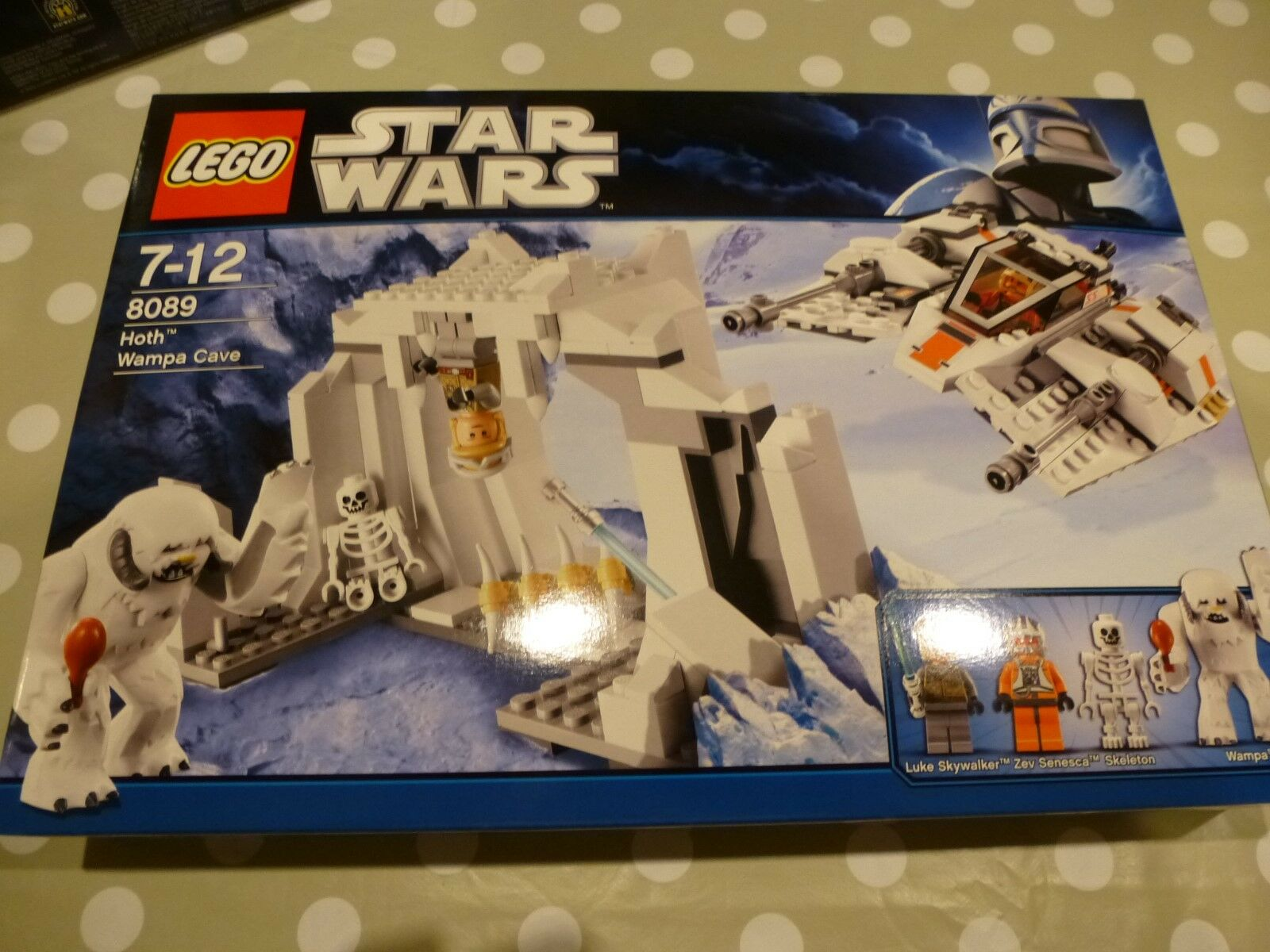 LEGO NEW 8089 Star Wars Hoth Wampa cave Unopened Sealed