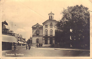 ANSICHTKAART-ZAANDAM-STADHUIS-ca-1943