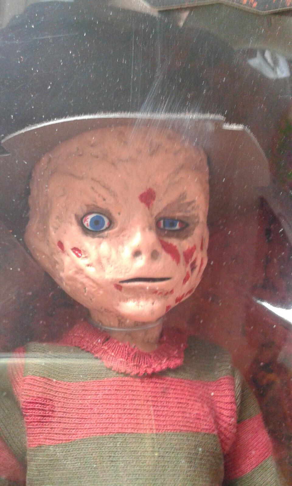 LIVING DEAD DOLLS LDD Presents  Frossody Krueger-A Nightmare on Elm Street 2010