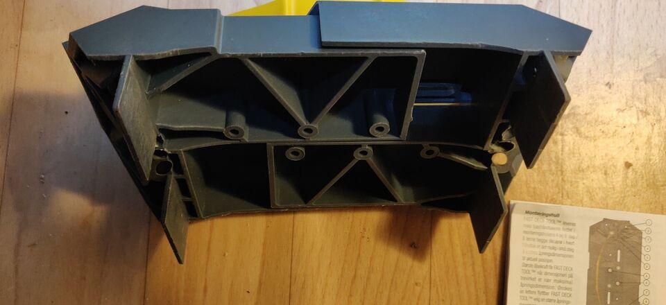 Deck tool