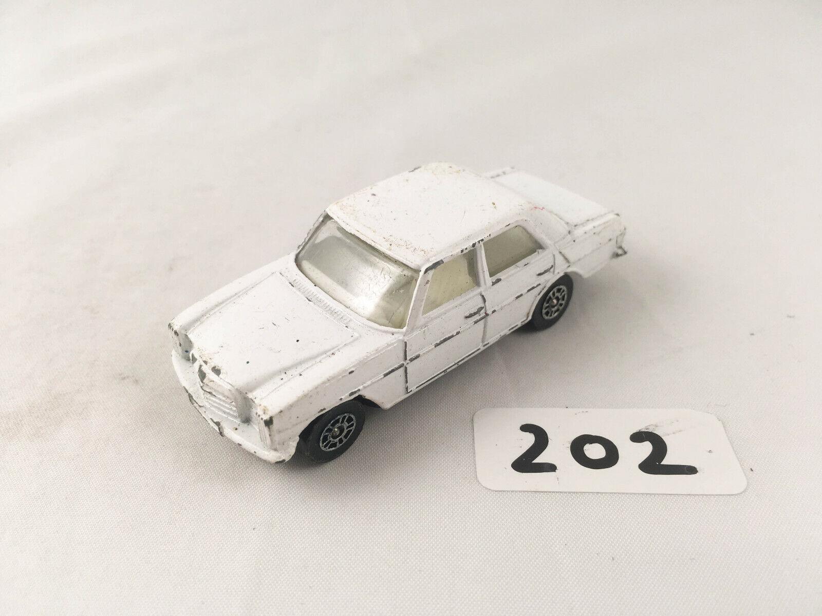 VERY RARE WHITE CORGI JUNIORS MERCEDES-BENZ 240D 240D DIECAST TOY CAR 1970S