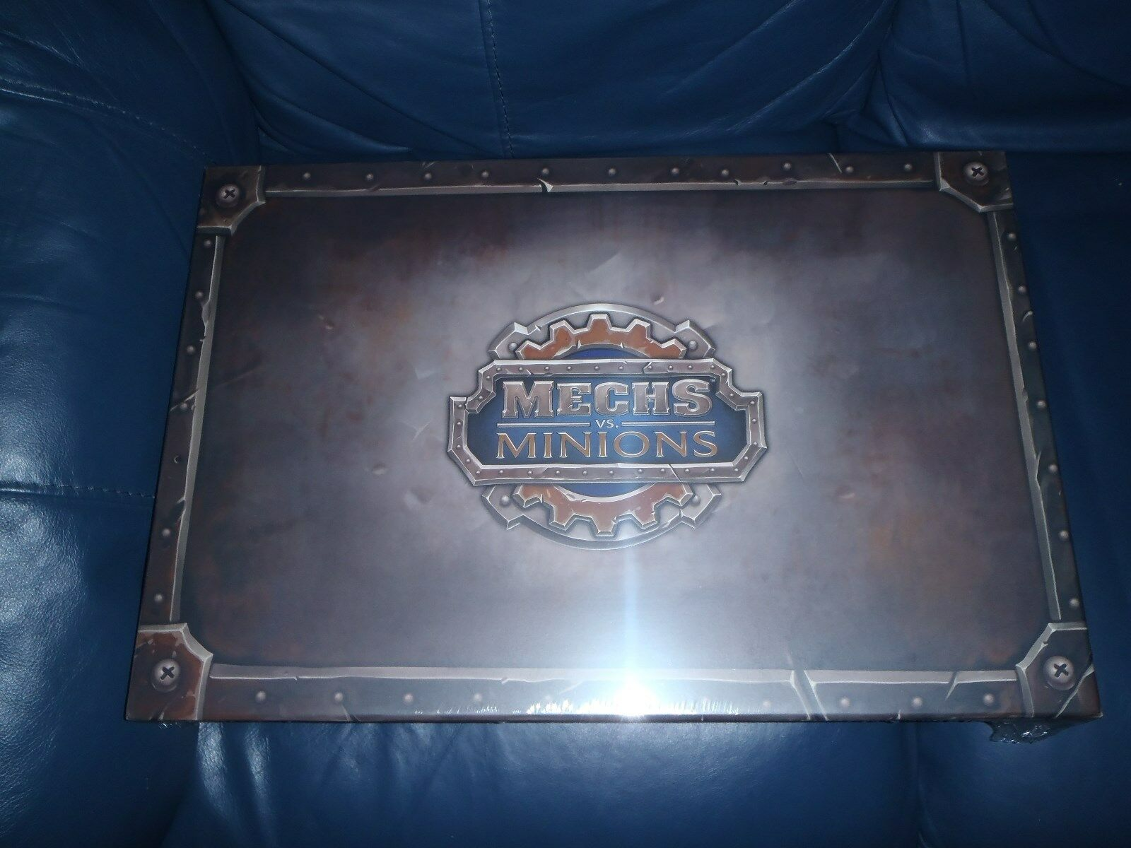 League Of Legends MECHS VS MINIONS Board Game    NEW + SEALED