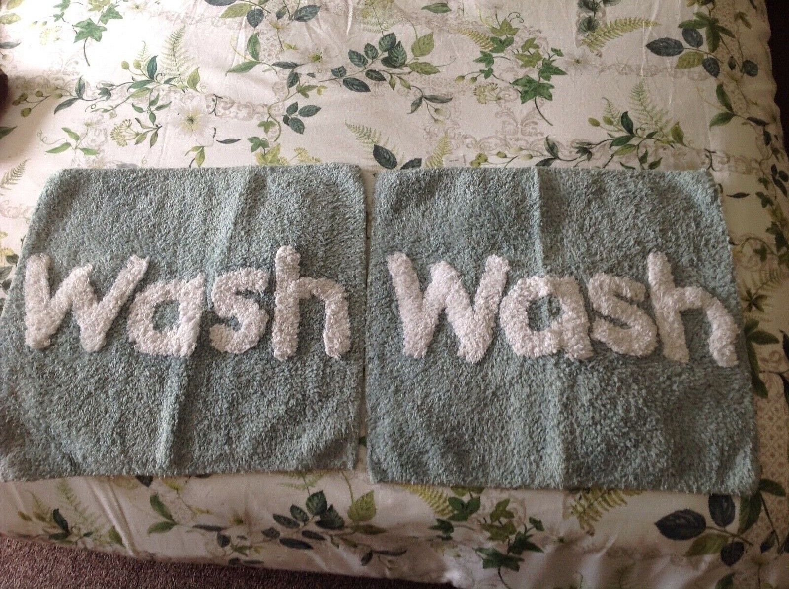 Dunhelm bath mats 2 Wash word on pale green 50 cm square bnwithout tags