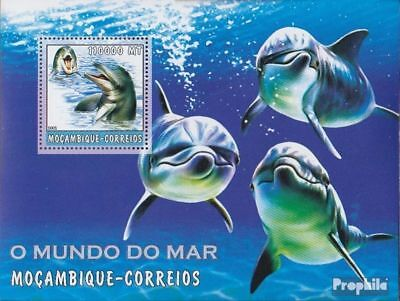 Animal Kingdom Never Hinged 2002 World Of Marine Lovely Luster Mozambique Block189 Unmounted Mint