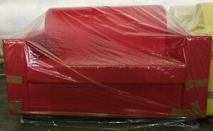 Divano 2 posto rosso da casa in finta pele realizzabile in tutti i colori
