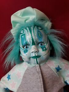 Sinisterly-Sissy-039-s-039-Xarissa-039-Undead-Spooky-Creepy-Haunted-Gothic-Clown-19-inch