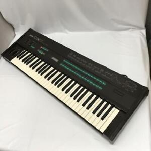 Yamaha DX7 Gebraucht Digital Programmierbare Algorithm Synthesizer Japan