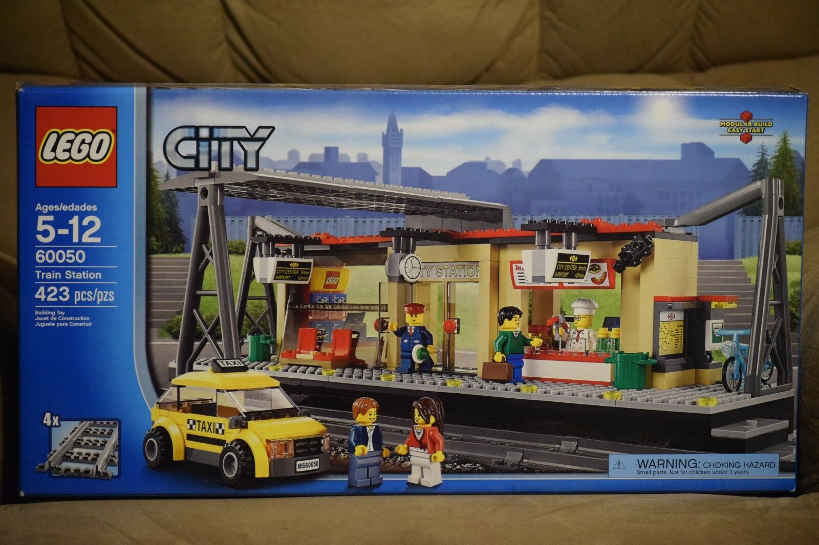 LEGO Train Station W Box and and and Instructions 82b7f5
