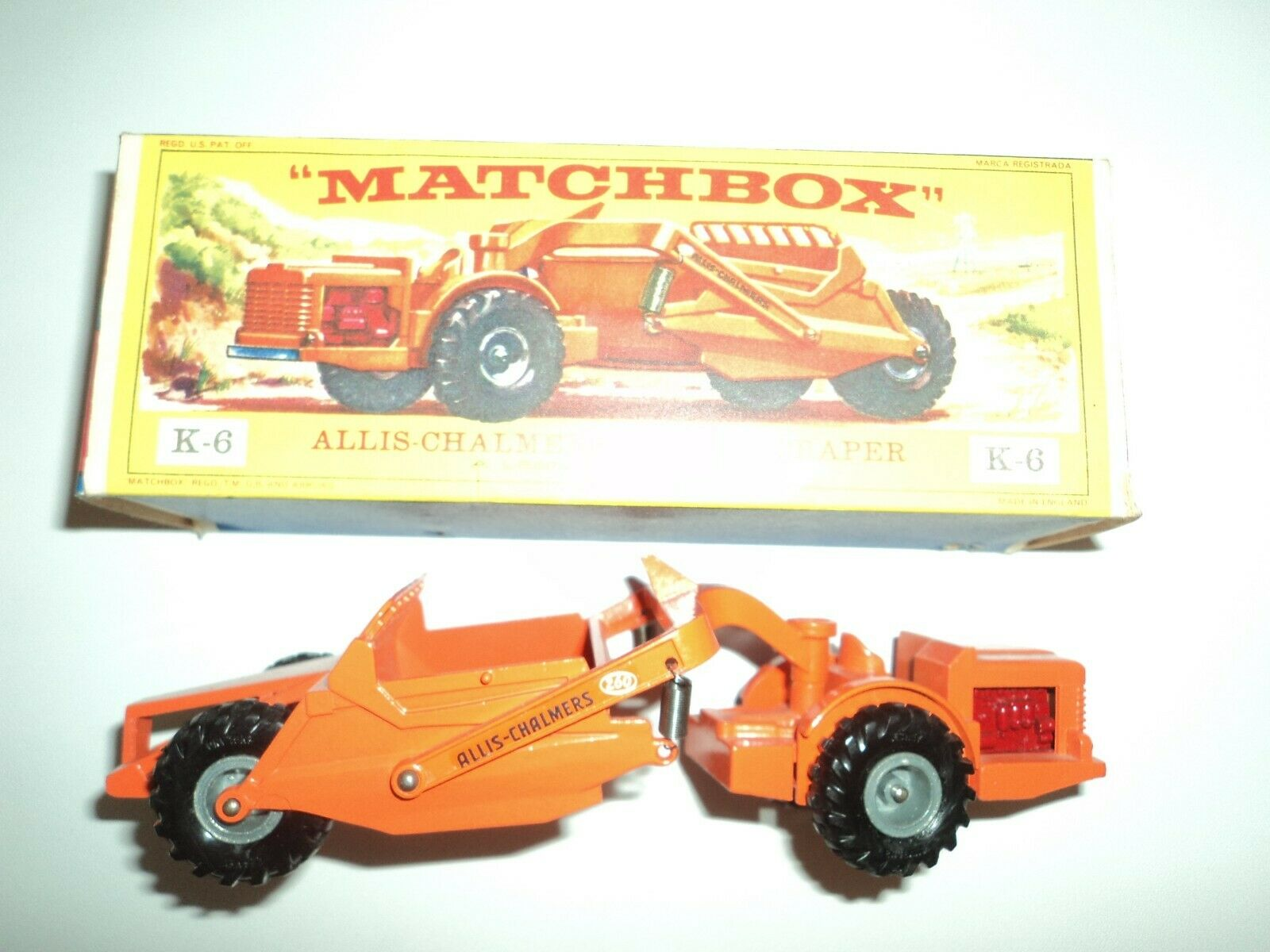 MATCHBOX KING Talla Allis Chalmers Earth Scraper K-6  mib