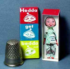 Dollhouse-Miniature-1-12-Hedda-Get-Bedda-Whimsies-Doll-Box-dollhouse-girl