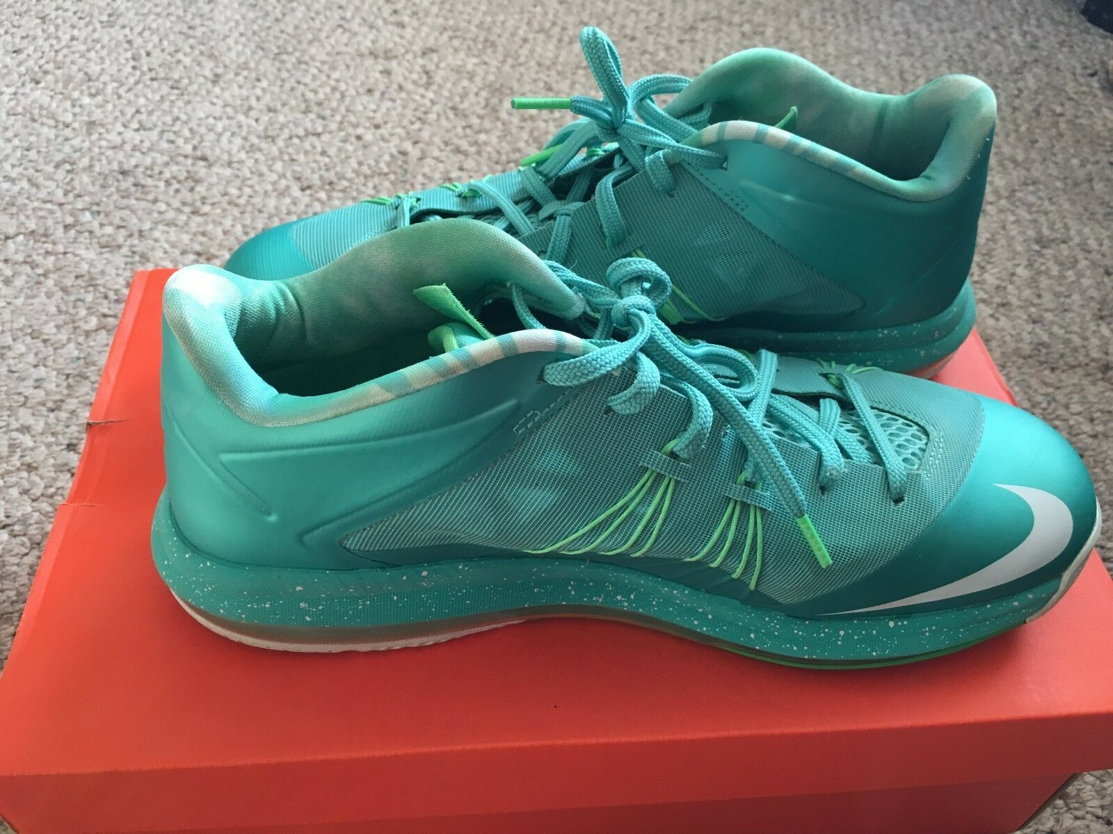 Nike Lebron 10 Low  Easter  Size Mens 11.5 slightly used without original box